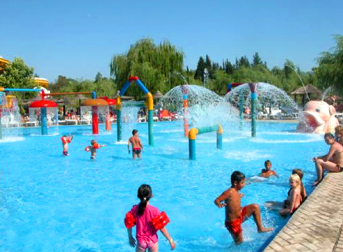 Fun waterparks and aqualands in Greece