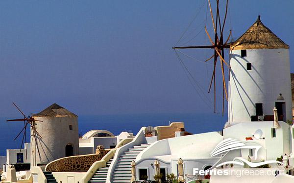 Must see islands in Greece: Santorini