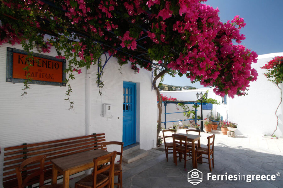 Island hopping from Paros to Naxos
