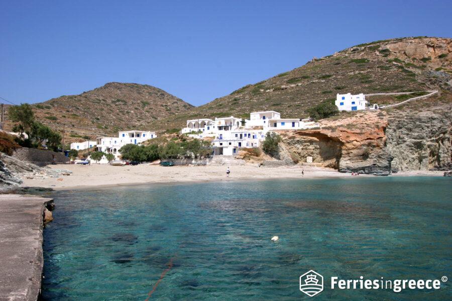 Island hopping Santorini Folegandros Milos